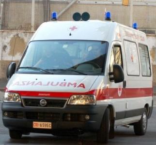 Incidente nella notte in via D'Anna, ansia per le condizioni di un bambino